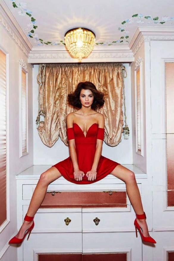 Model in Red dress - Americanoize - Influencer marketing agency